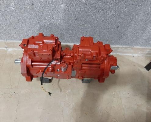 پمپ هیدرولیک بیل R330-9